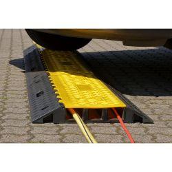 Protège câbles avec couvercle articulé