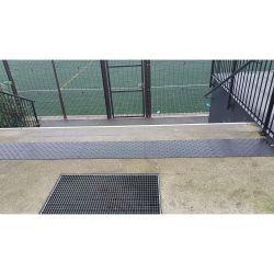 Dalle podotactile avec Bande podotactile extérieur auto-adhésive pour la sécurité des locaux et l'accessibilité des PMR