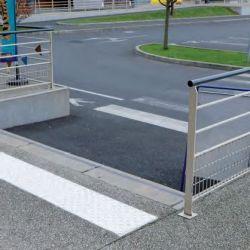 Dalle podotactile avec Bande podotactile extérieur à coller pour la sécurité des locaux et l'accessibilité des PMR