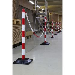 Kit de poteaux en PE avec chaîne de délimitation   Protection des entrepôts