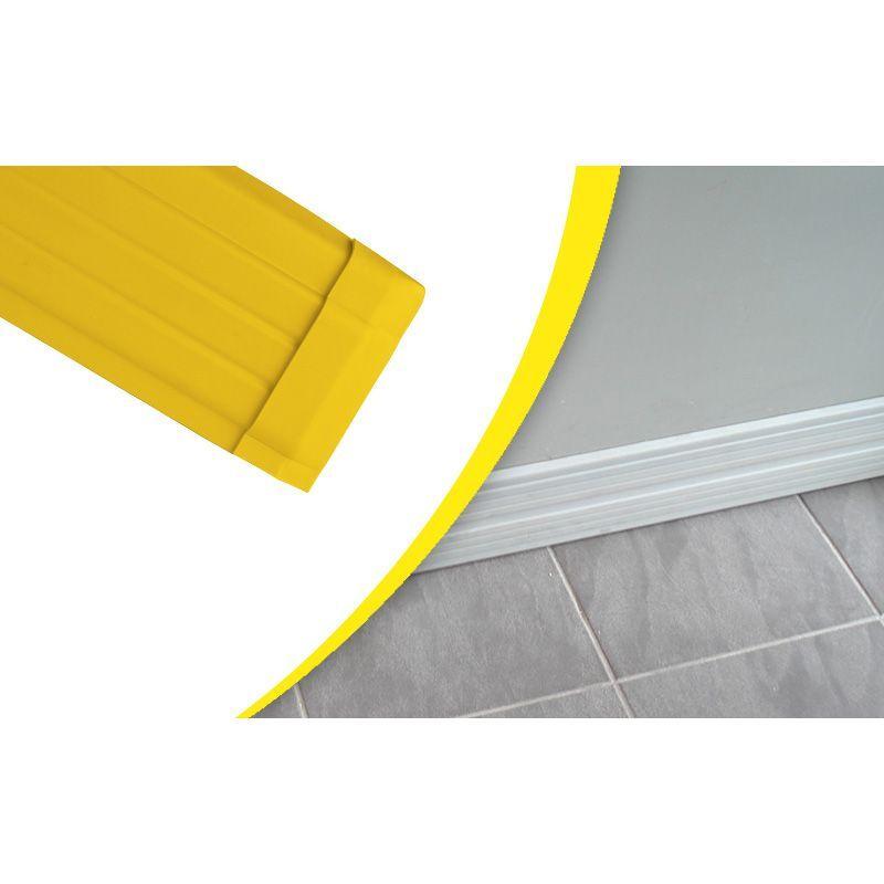 Lisse et plinthe murale en élastomère | Equipement de protection des bâtiments