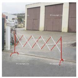 Barrière extensible en acier - Long 230 cm | Barrière de sécurité | Barrière et poteau de Sécurité