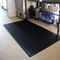 Tapis agroalimentaire | antidérapant à surface crampons - Tapis agroalimentaire  COBA SCRAPE CATERING